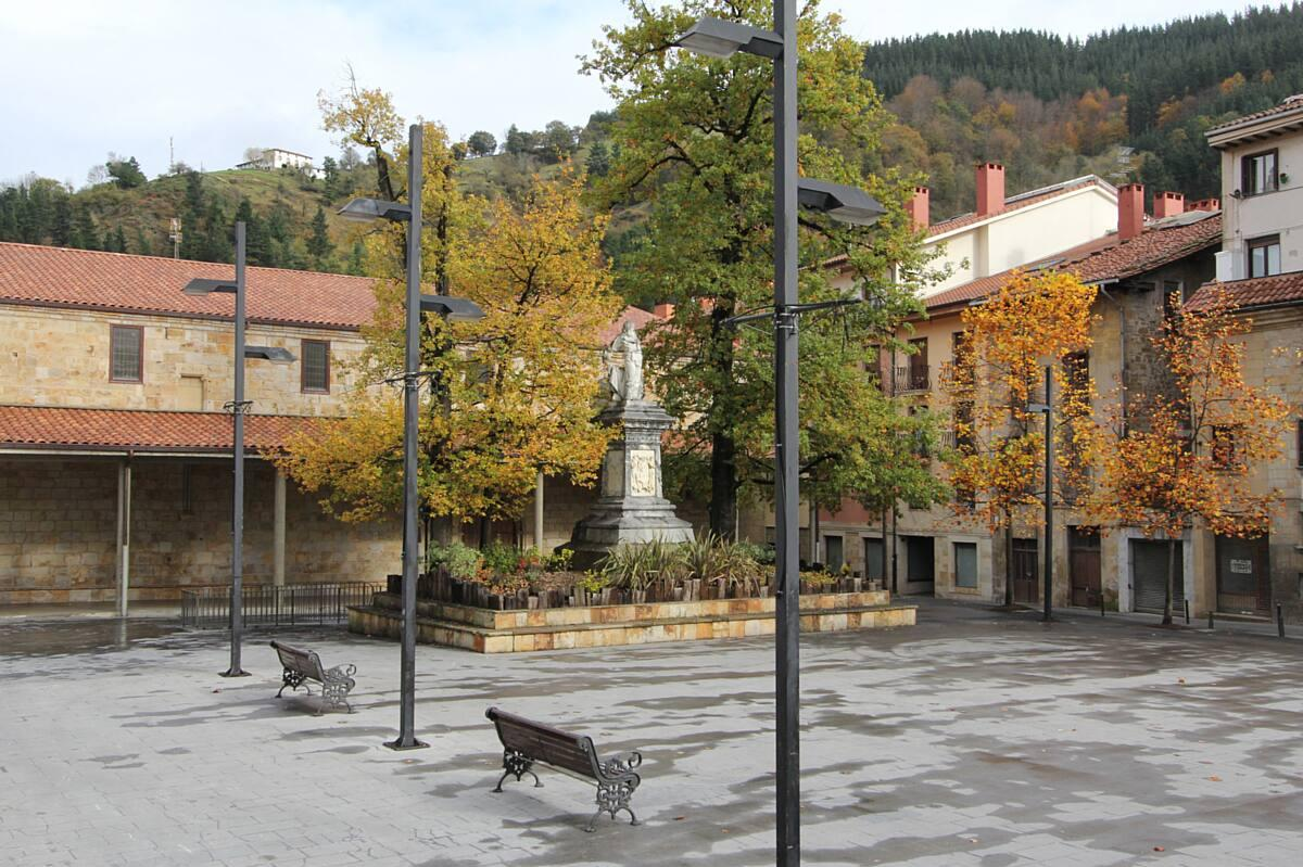 00-Plaza-Estatua de Iparragirre-1890_13